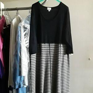 Precious black and grey sweater dress